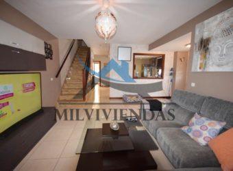 Bonito duplex en venta en Vecindario (mg219)