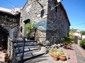 Casa encantadora en San Isidro (let5308)
