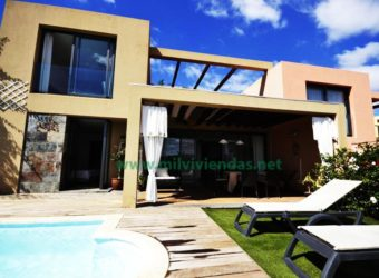 Villa con piscina privada en Salobre golf (mg228)
