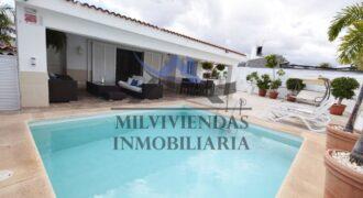 Chalet con piscina privada en Maspalomas (a559)
